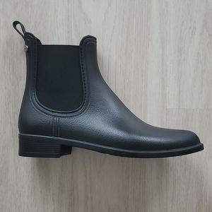 BRAND NEW Never worn- Aldo Black leather boots